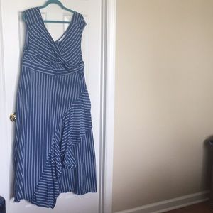 Maxi dress with pockets and cap sleeves